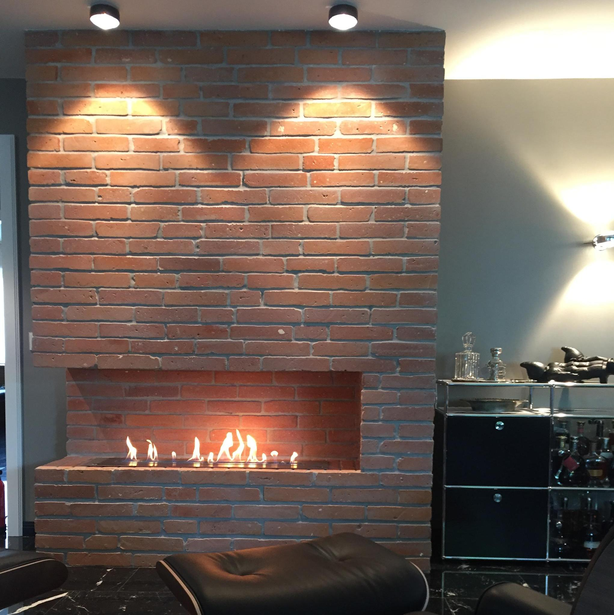 Fireplaces with bio ethanol can be implemented in a contemporary or period fireplace
